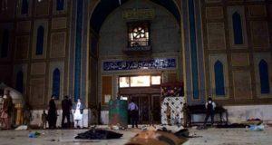 Al menos 72 personas perdieron la vida y alrededor de 150 más resultaron heridas en un atentado suicida perpetrado en santuario islámico en la ciudad de Sehwan.